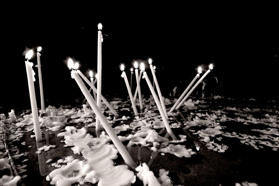 web-ravens-candels
