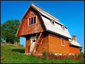 web-beautiful-house-scarisoara