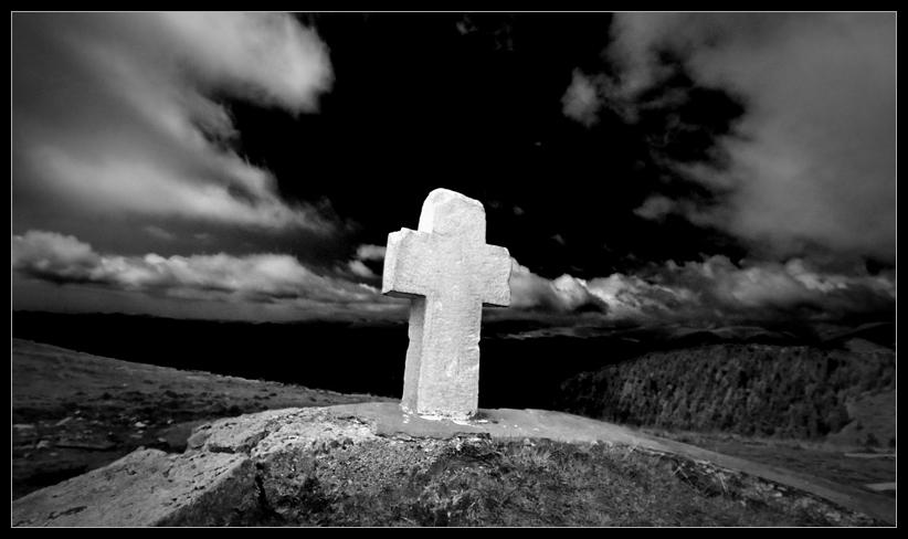 B&W Cross near the Romani Peak
