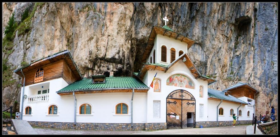 Monastery at Ialomicioara Cave