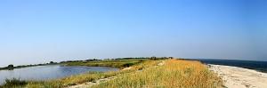 Sand bank between Golovita Lake and the Black Sea