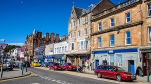 The colorful streets of Oban